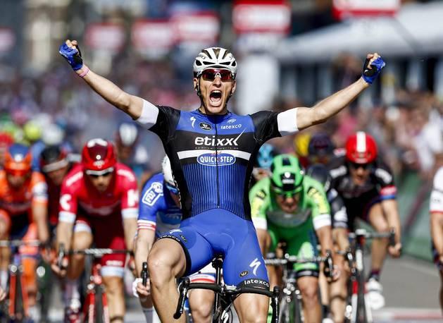 Marcel Kittel celebra su victoria.