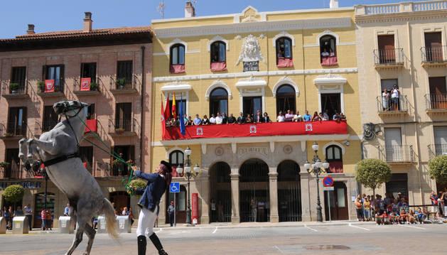 Fachada del Ayuntamiento de Falces.