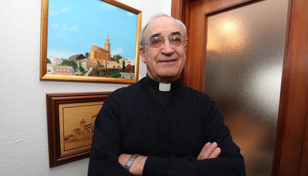 Un obispo navarro, atacado por un búfalo en Brasil