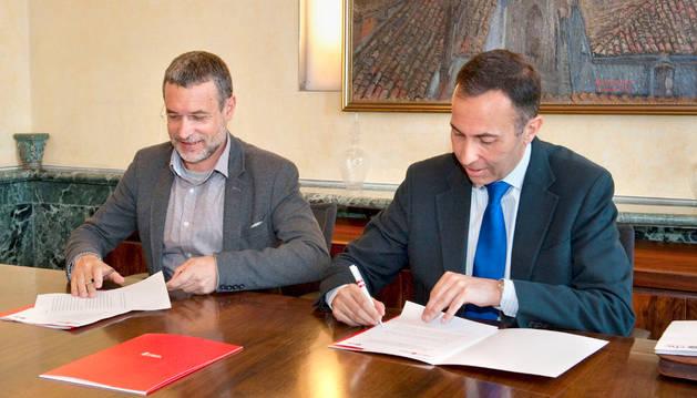 Navarra y CHC aseguran el suministro eléctrico a clientes sin recursos