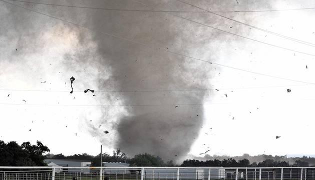 Una serie de tornados azota Oklahoma y deja al menos dos muertos