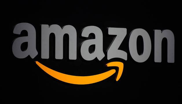 Logo de la compañía de comercio electrónico Amazon.