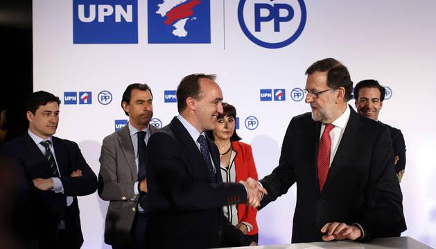 Rajoy y Esparza suscriben el acuerdo que renueva la coalición para las elecciones