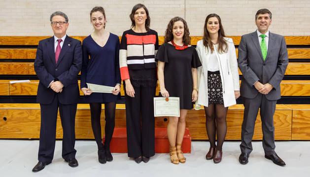 Facultad de Ciencias Económicas. De izq. a dcha.: Manuel Rapún, Laura Jaén, Águeda Tortajada, Tamara Ayllón, Isabel Ezcurra y Emilio J. Domínguez.