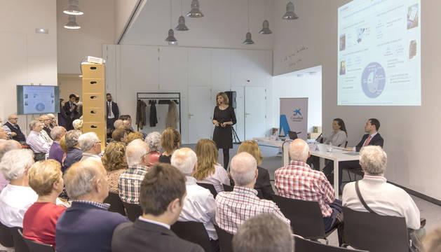 Encuentro de CaixaBank con sus accionistas en el Museo Universidad de Navarra.