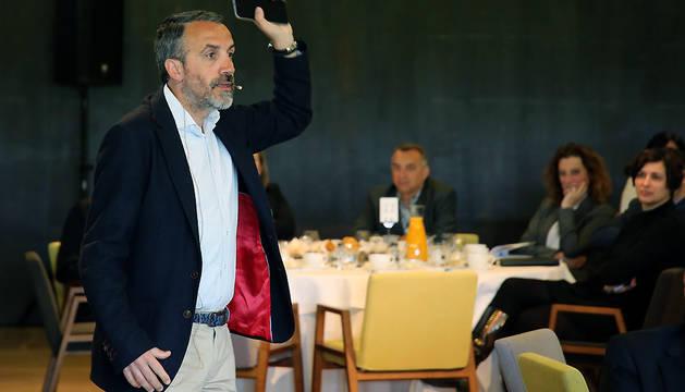 Carlos Fernández Guerra, en un momento de su intervención.