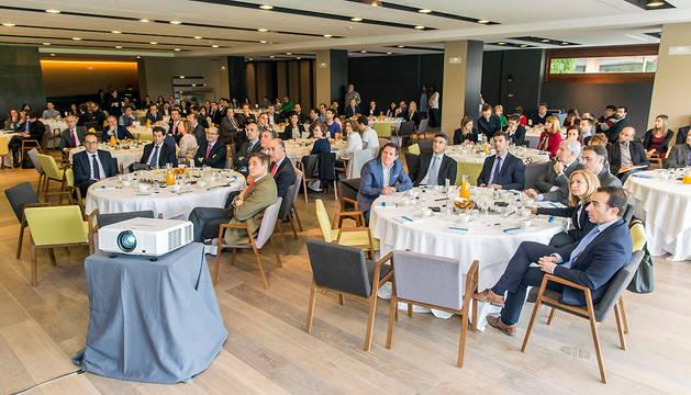 Participantes en el desayuno de trabajo 'Claves para la transformación digital de la empresa'.