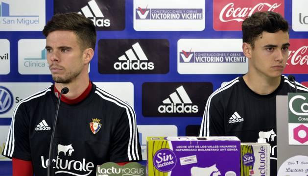 El capitán Miguel Díaz y el canterano Sergio Benito, en rueda de prensa.