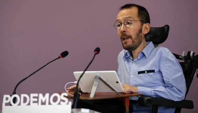 El secretario de Organización de Podemos, Pablo Echenique, durante una rueda de prensa en la que ha anunciado los resultados de la consulta.