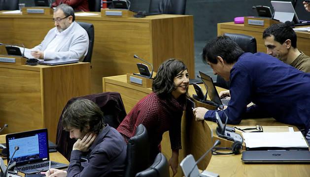 Pérez, en el Pleno del Parlamento este jueves.