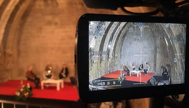 Navarra Televisión grabando un programa en el Castillo de Olite.