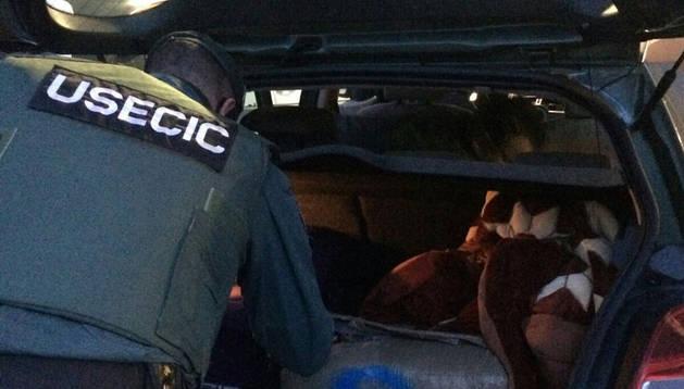 Detenidos en Olazagutía dos jóvenes que transportaban 30 kilos de hachís