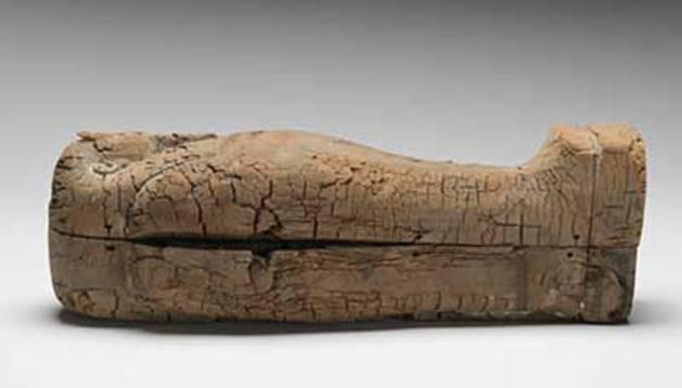 El pequeño ataúd excavado en Giza.