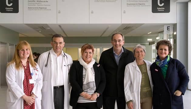 Representantes de Saray, con investigadores del Navarrabiomed y del SNS.