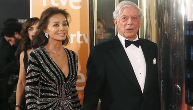 Vargas Llosa ya está divorciado