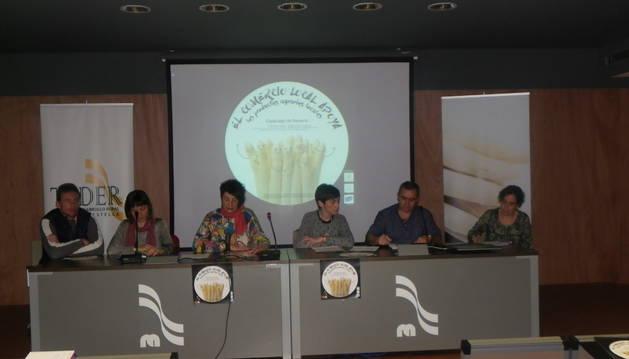 Teder compromete al comercio local en el apoyo a la venta de espárrago fresco