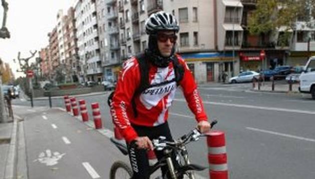 Un carril bici que poco a poco irá descendiendo a las calzadas (30 km/h)