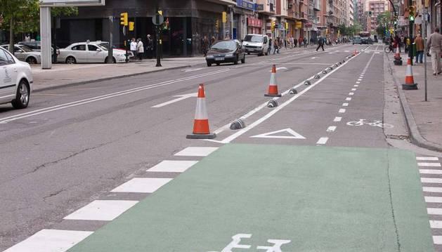 Ampliación del carril bici por la calzada, en paralelo al tranvía