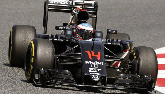 Hamilton vuela para la 'pole' y Sainz y Alonso saldrán octavo y décimo
