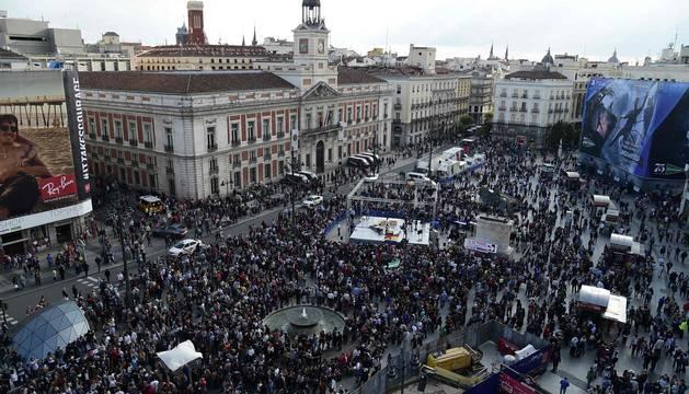 Miles de indignados vuelven a llenar la Puerta del Sol en aniversario del 15M
