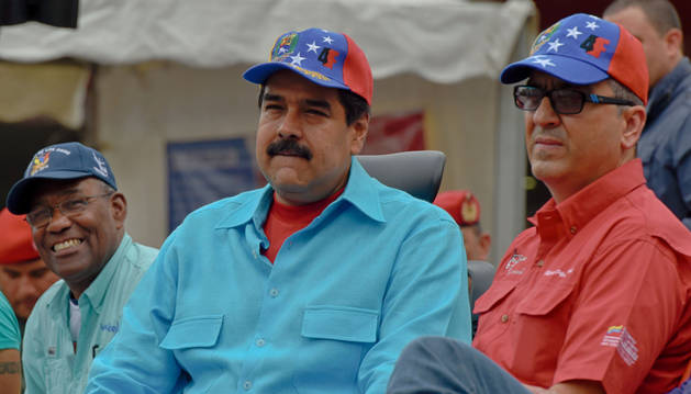 Maduro afirma que llegó el momento de tomar las empresas paralizadas