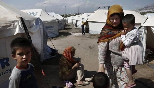 España acogerá a 87 refugiados procedentes de Grecia a finales de mayo