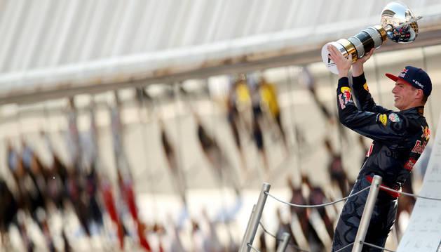 El piloto holandés Max Verstappen tras su triunfo en el Circuito de Barcelona-Catalunya.