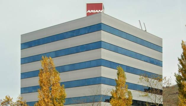 Arian entra en preconcurso para renegociar su deuda con los bancos