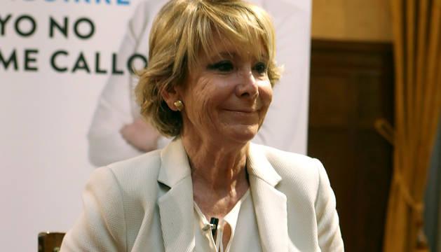 La expresidenta de la Comunidad de Madrid y del PP madrileño, Esperanza Aguirre, durante la presentación de su libro