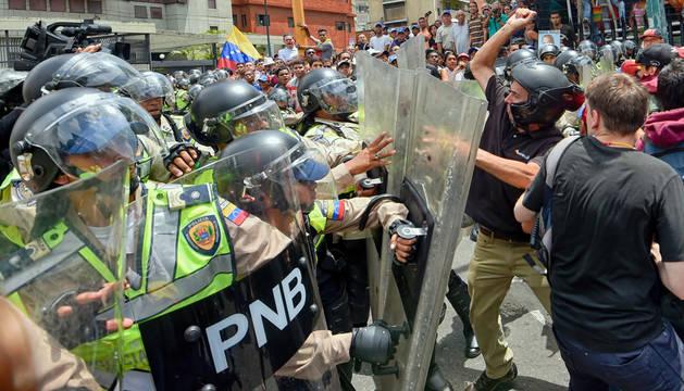 Las protestas de la oposición en Caracas se saldan con siete detenidos