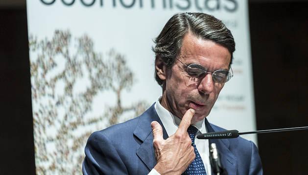 Aznar alecciona de nuevo a Rajoy por el