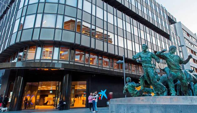 Caixabank cerrará varias sucursales en Navarra