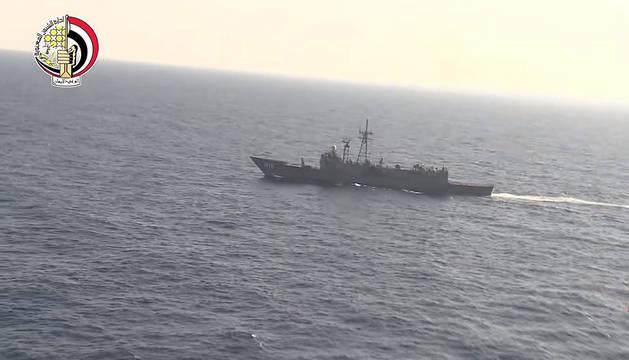 Labores de búsqueda del vuelo MS804 de la aerolínea EgyptAir en el mar, al norte de Alejandría.