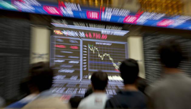 Panel informativo de la Bolsa de España que muestra el principal selectivo español, el IBEX 35.