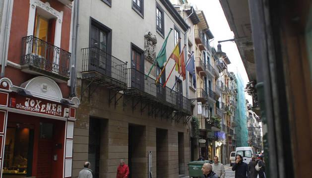 La ciudadanía decidirá el uso del Palacio Redín y Cruzat en un proceso participativo