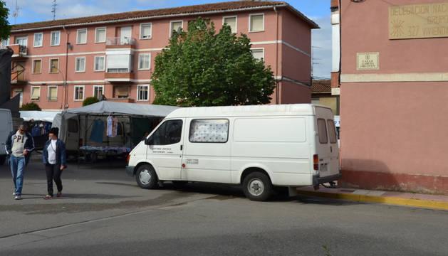 Una de las placas, la situada en la calle García Orcoyen de Azagra.