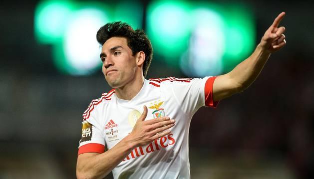 Gaitán, con el Benfica.