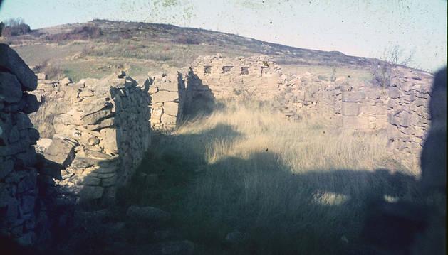 Los restos de la fortificación en el Monte Esquinza.