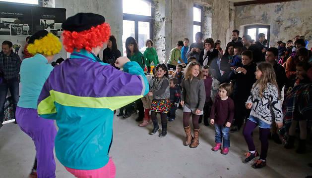 Los niños disfrutaron en la estación de la animación del grupo Kiliklon.