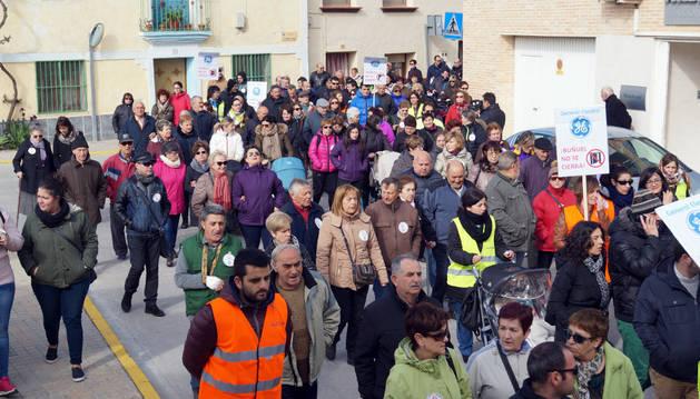 Asistentes a una manifestación contra el cierre de la planta.