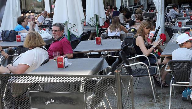 Terrazas en el centro de Pamplona.