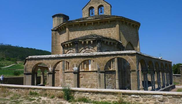 Un recorrido circular que parte desde Enériz y nos adentra en las Nekeas, visitando uno de los lugares turísticamente más atractivos de la zona, la iglesia de Santa María de Eunate.