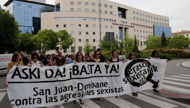 Colectivos vecinales del barrio de San Juan, en Pamplona, convocaron el pasado sábado  una manifestación de rechazo a las agresiones.