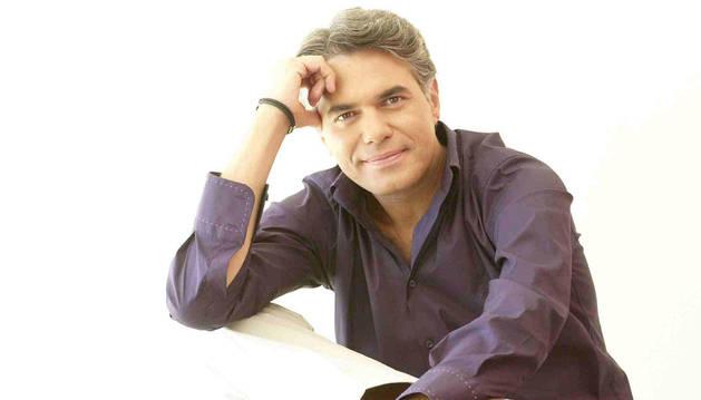 El presentador Agustín Bravo.