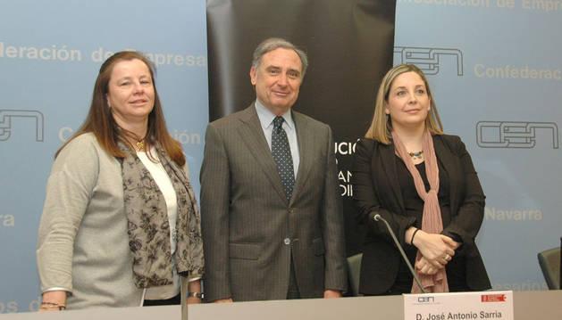 Belén Goñi, José Antonio Sarría y Ana Yerro presentaron el informe