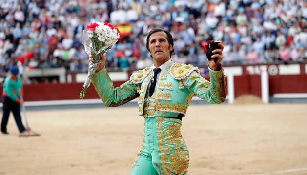 David Mora y el toro 'Malagueño', de Alcurrucén, enloquecen Madrid