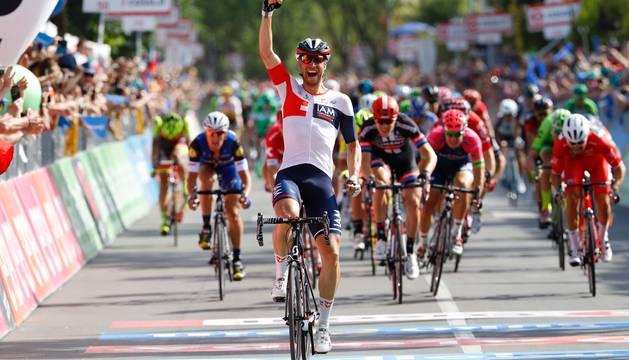Kluge celebra su triunfo en Cassano d'Adda.