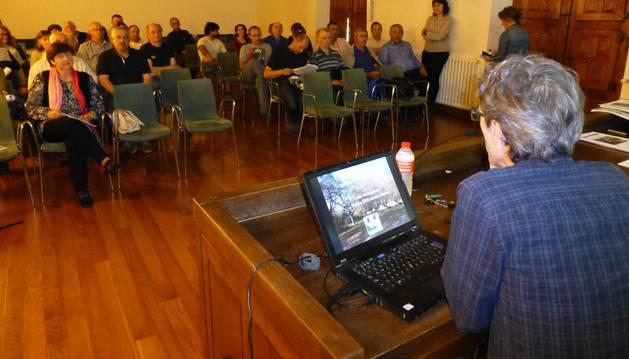 Imagen de la sesión participativa desarrollada ayer en Estella.