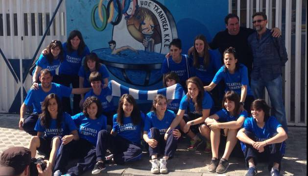 Las jugadoras del Txantrea antes de viajar a Canarias.