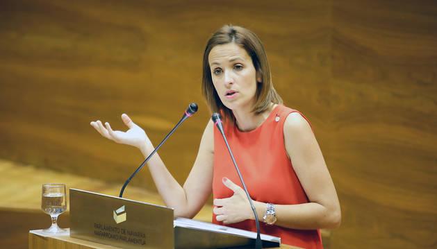 María Chivite, durante su intervención en el pleno monográfico sobre Educación.